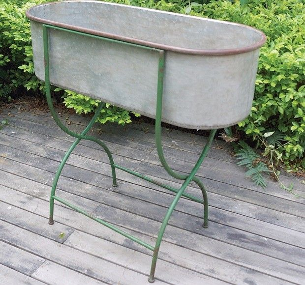 Best 25 metal tub ideas on pinterest metal water tank for Tin tub planters