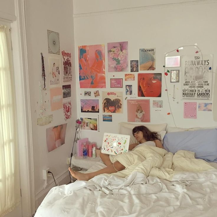 Messy Walls But I Like It: 25+ Best Ideas About Messy Bedroom On Pinterest