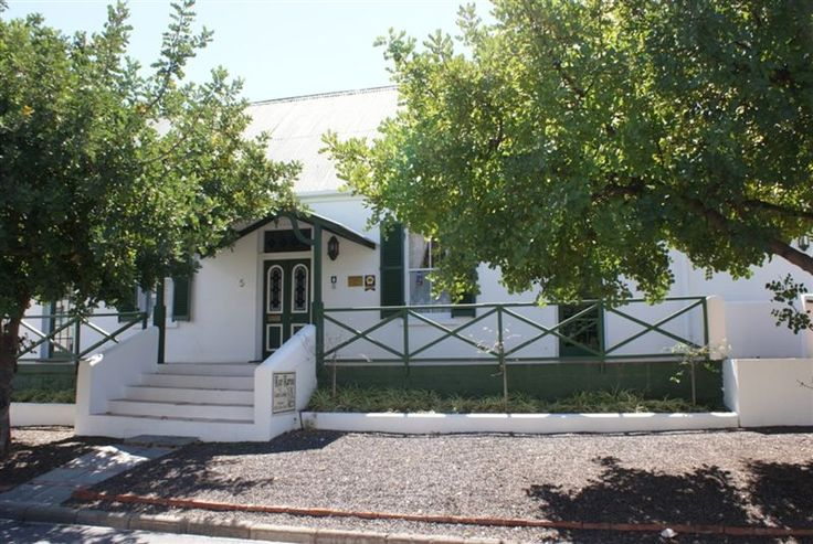 Koo Karoo Guest Lodge - The lodge is centrally situated in the picturesque town of Montagu. It consists of a 100 year old Victorian house with large comfortable rooms; a coach house converted into a quaint self-catering apartment ... #weekendgetaways #montagu #southafrica