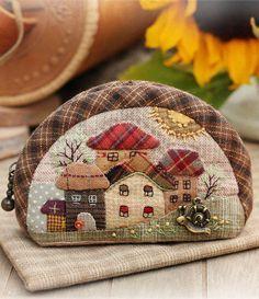 """Самый уютный домик для монет — кошелек """"Летний день"""" с аппликацией от Ольги Абакумовой. Работа дня на Ярмарке Мастеров: http://www.livemaster.ru/item/6077353/sumki"""