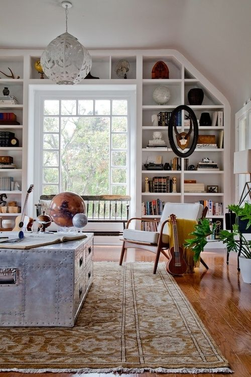 ~~ CHIC LIVING ROOM °°  This is the living room of my dreams! That window bookshelf is so breathtaking and the decor is definitely my style! I´m in LOVE
