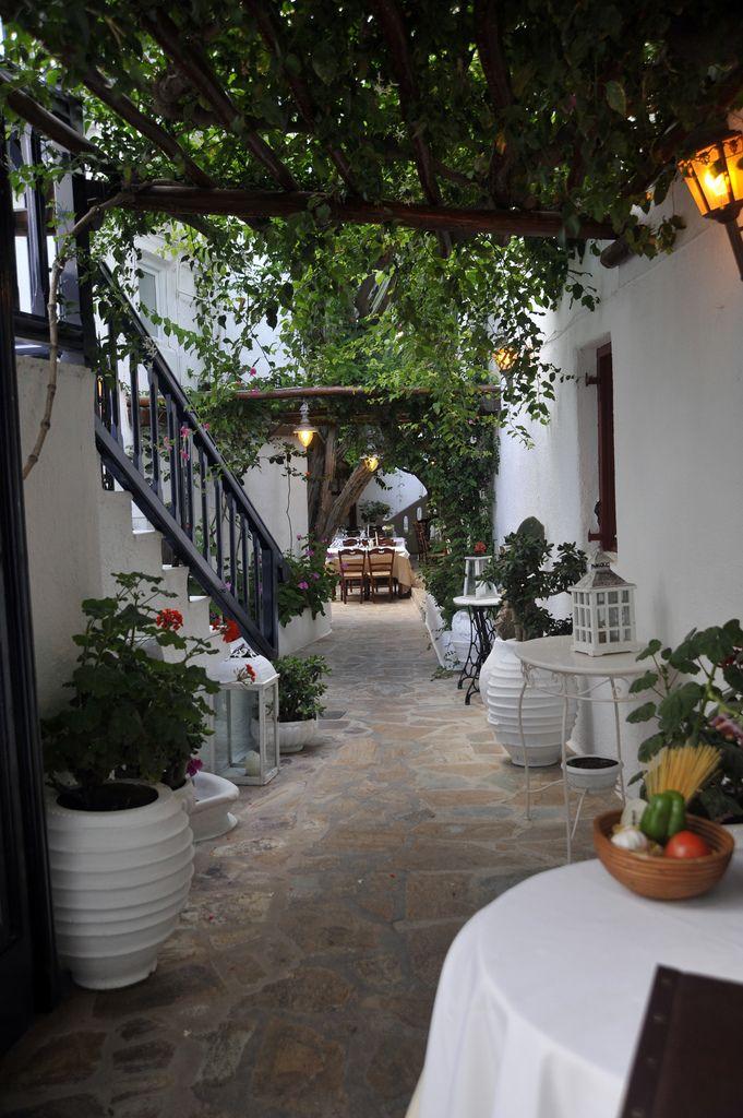 Mykonos By rod.hoad  Source: santoriniblog