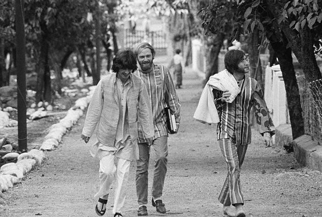 George Harrison, Mike Love & John Lennon. India, 1968.