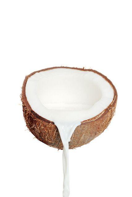 Kako da napravite kokosovo mleko od kokosovog brašna? Brzo i lako.