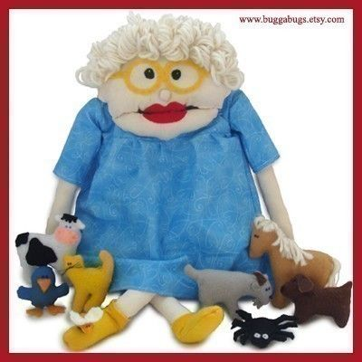 I want to make this for my Mom for her classroom for ChristmasCrafts Ideas, Dolls Pattern, Old Lady, Felt Toys, Fun Felt, Dr. Who, Nurseries Rhymes, New Crafts, Sewing Patterns