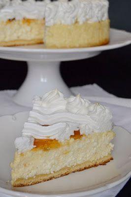 Hozzávalók 24 cm-es kapcsos tortaformához A tésztához 15 dkg liszt 5 dkg vaj 5 dkg cukor 1 tojássárgája 6 dkg t...
