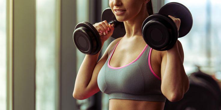 4 упражнения для девушек, направленные на укрепление мышц верхней части спины - https://lifehacker.ru/2016/09/21/4-exercises-that-banishing-bra-fat/