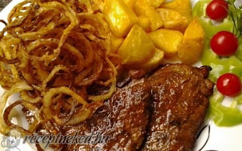 Mustáros, borsos sertésszelet sült hagymával recept fotóval