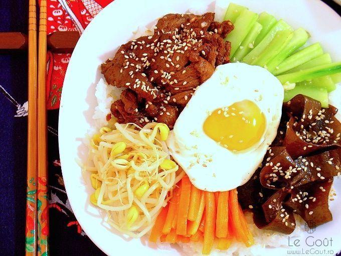 Bibimbap - orez coreean cu vita si legume asortate (Bibimbap - korean mixed rice with vegetables)