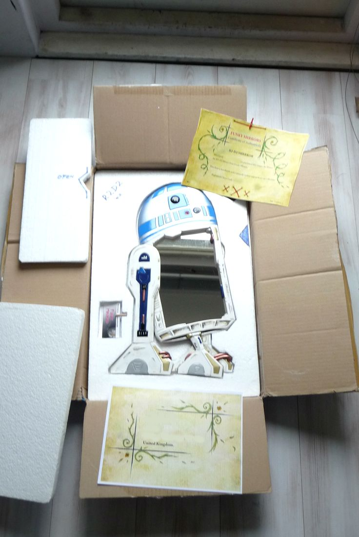 R2D2 in his box..!