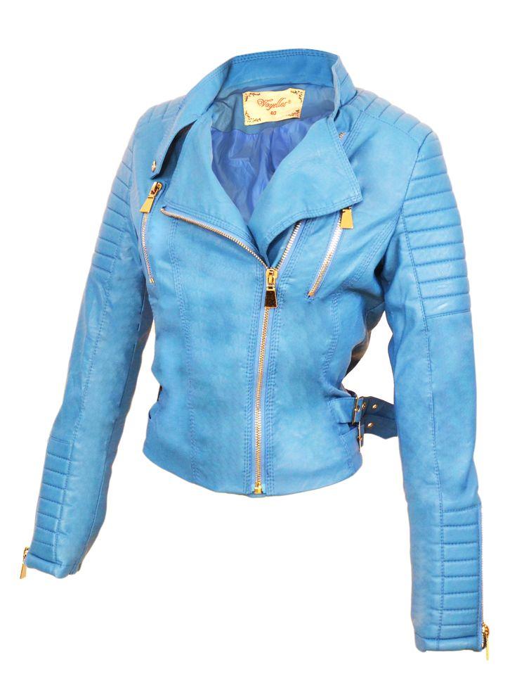 Dit mooie blauwe biker jasje van Imitatie leer is een Must have voor in je kledingkast! Ondanks de Scherpe prijs doet deze blauwe, nep leren, biker jack voor dames nauwelijks onder van echt leer.