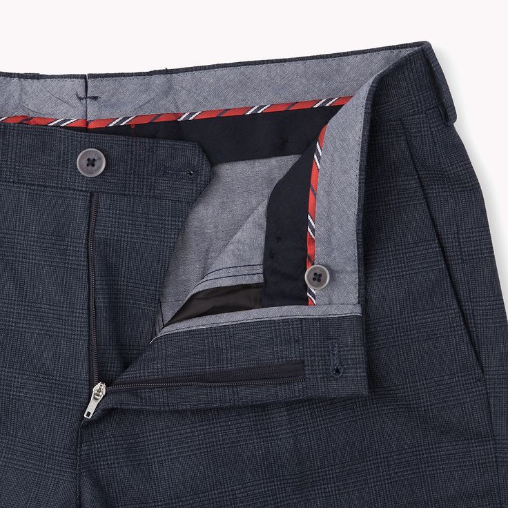 The Hampton-s Slim Fit Chino is the seasons highlight: from the latest Tommy Hilfiger trousers collection for men. Secure payment & easy returns.