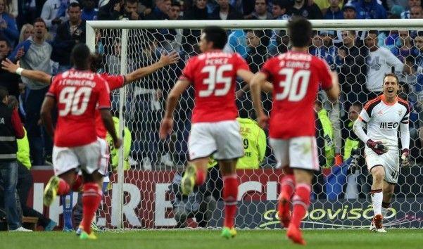 O Benfica vence o FC Porto no jogo da semi final da Taça da Liga disputado no Dragão. - 17 (© LUSA JOSE COELHO)
