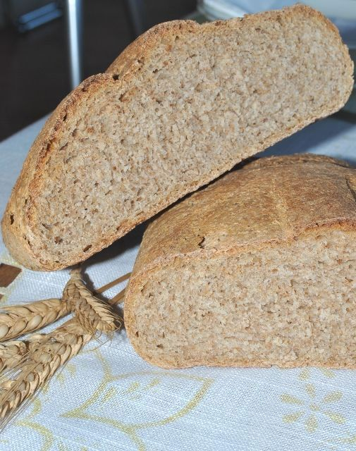 Pane integrale con pasta madre ricetta lievitata