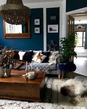 Salon Bohème Chic En Blanc Et Bleu Réchauffé Par De Touches Naturelles,  Quelle Couleur Mur Salon Pour Une Ambiance Feutrée Et Cocooning
