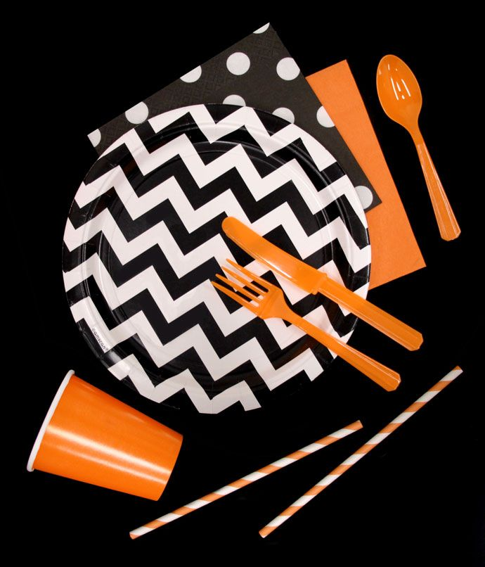 Throw a Halloween on a budget with our plain-coloured party supplies. Choose black, white and orange party supplies, and mix and match with funky dots and chevrons designs. Perfect for a stylish but cheap Halloween party.