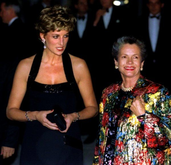 November 28, 1994: Princess Diana with Anne-Aymone Giscard d'Estaing, wife of Valery Giscard d'Estaing, President of France at the UNESCO charity dinner at the Palace of Versailles in Paris, France.