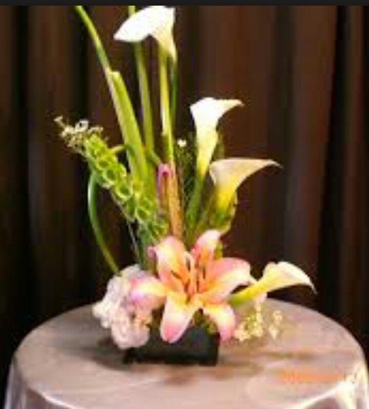 Lilies y alcatraz Pedidos 1703320 Cel 656 2779106