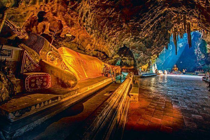 Viajar a Tailandia es una experiencia única. Puedes tener recorridos muy culturales gastronómicos playeros o de pura fiesta.  Tu decide cuando lo quieres hacer y te ofrecemos la mejor asesoría según tu presupuesto y gustos así tendrás el mayor beneficio en tiempo dinero y experiencia. . #FelicesVacaciones #Tailandia #Templos #enorme #Aventura #Naturaleza #Paraíso #Islas #Asia #Cultura #Tradición #Maravilloso #Vacaciones #Viajes #Viajera #Turistear #turista #viajera #sueños #elcieloenlatierra…