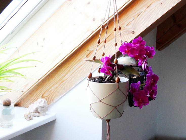 die besten 25 makramee anleitung blume ideen auf pinterest makramee pflanzenschaukeln. Black Bedroom Furniture Sets. Home Design Ideas