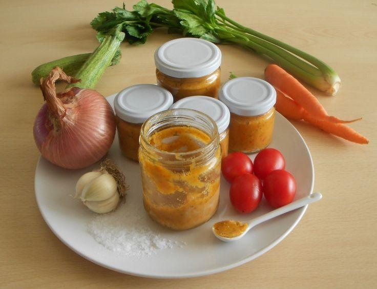 Dado vegetale fatto in casa    Avete mai letto l'etichetta del dado che acquistate al supermercato per indagare sul contenuto dei dadi in