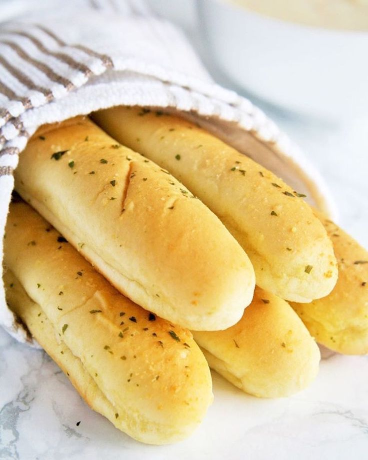 how to make homemade cheese breadsticks