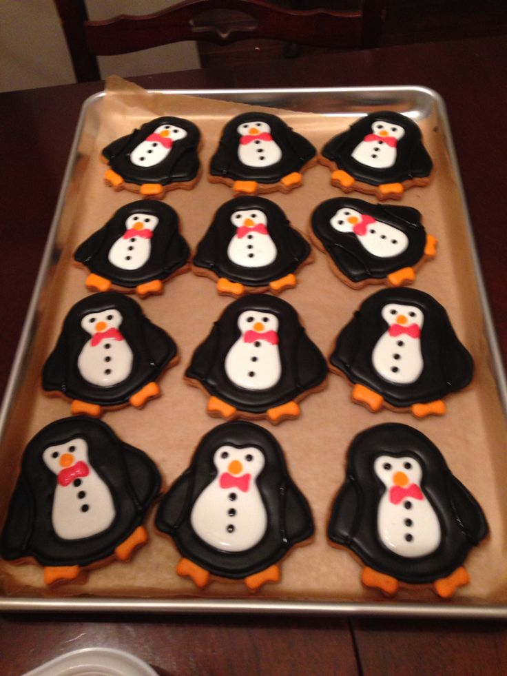Royal icing penguin cookies