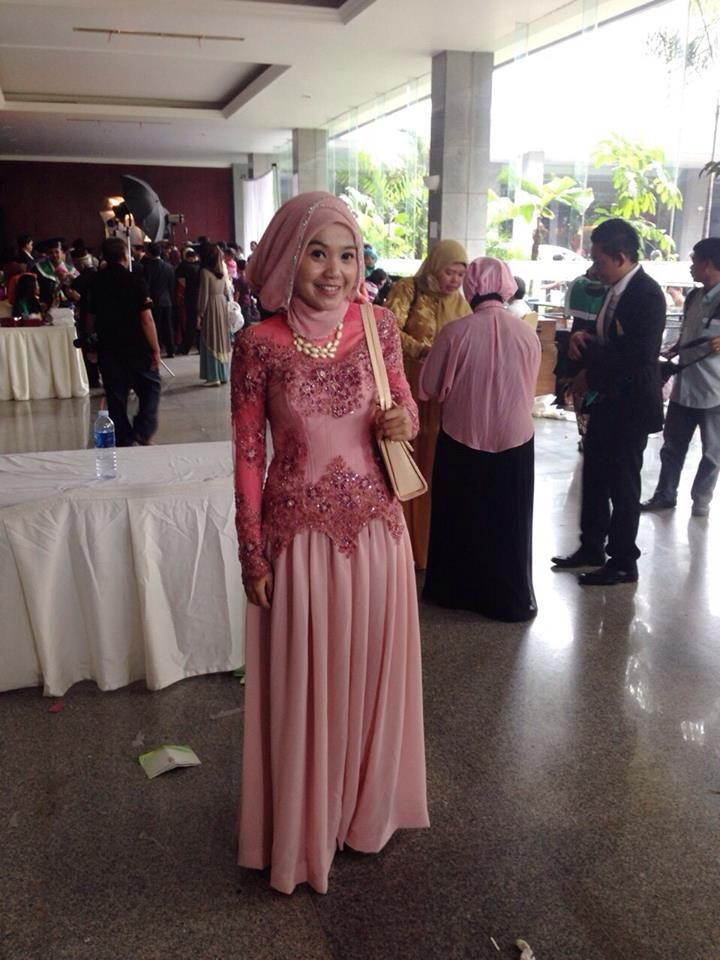 Melany Cynthia Putri with Belsbee's Aurora Dress.... Gorgeous banget ya Girls