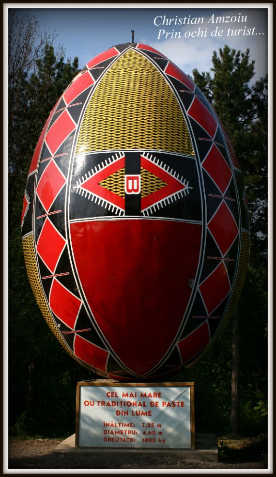 Painting eggs for Easter has always been an amazing tradition in our country. Well, here i bring you the biggest Easter egg in the world, in the city of Suceava.With 7 meters tall and almost 2 tons in weight, it is indeed something unique to see...
