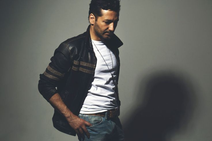 Thank you to awesome fan to find this super blast interview with Cas Anvar to share. The photos was taking total blast us away.