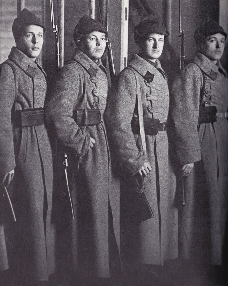 Russian Clothing for Men | Red Army Men in Greatcoat and Budenovkas, 1925s.(pag 26)