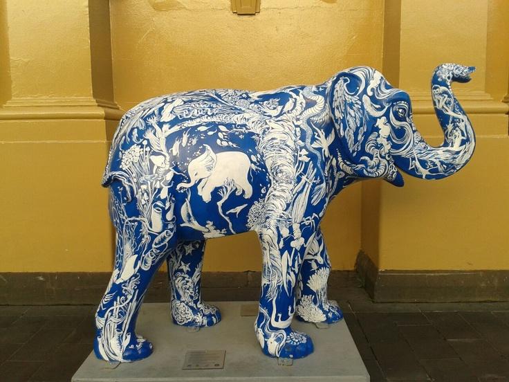 Ming Vase Mali