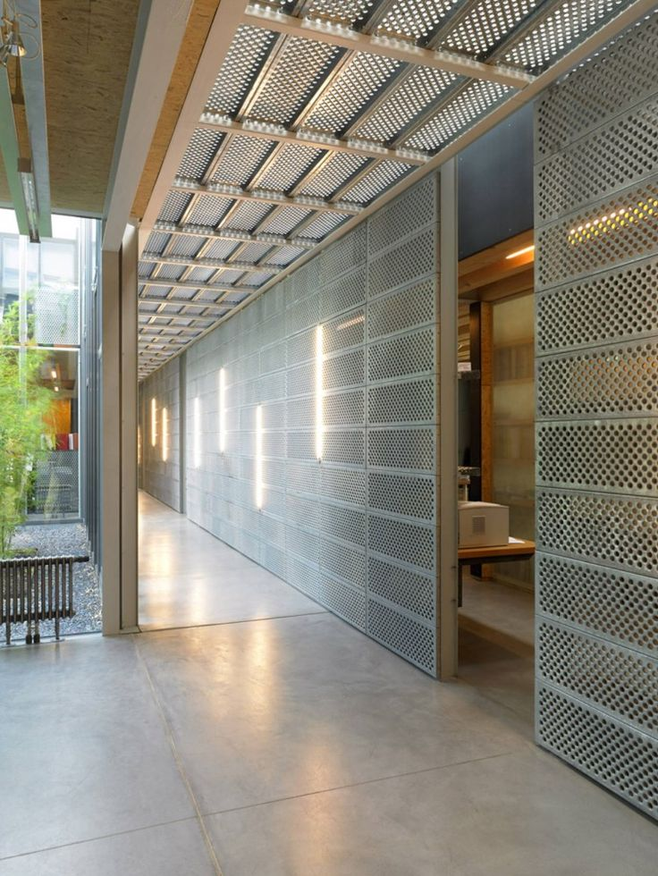 MÉTAL- Not a perfect fit for us, but I like the idea as a semi-privacy screen element : Méchant Design: metal at home