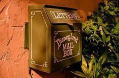 Disneyland Secrets - list of cool facts and hidden details. I didn't know about the dinosaur eggs one