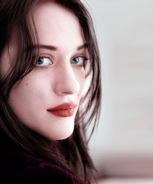 the beautiful Kat Dennings. Mmm could almost pass for Thora from People