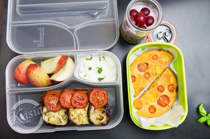 Jak większość ludu, tak pewnie i Ty zabierasz lub szykujesz codziennie jedzenie do pracy, szkoły czy uczelnie.   Ja całodniowe wyżywienie pakuję codziennie do lunchboxa czyli plastikowego pude�...