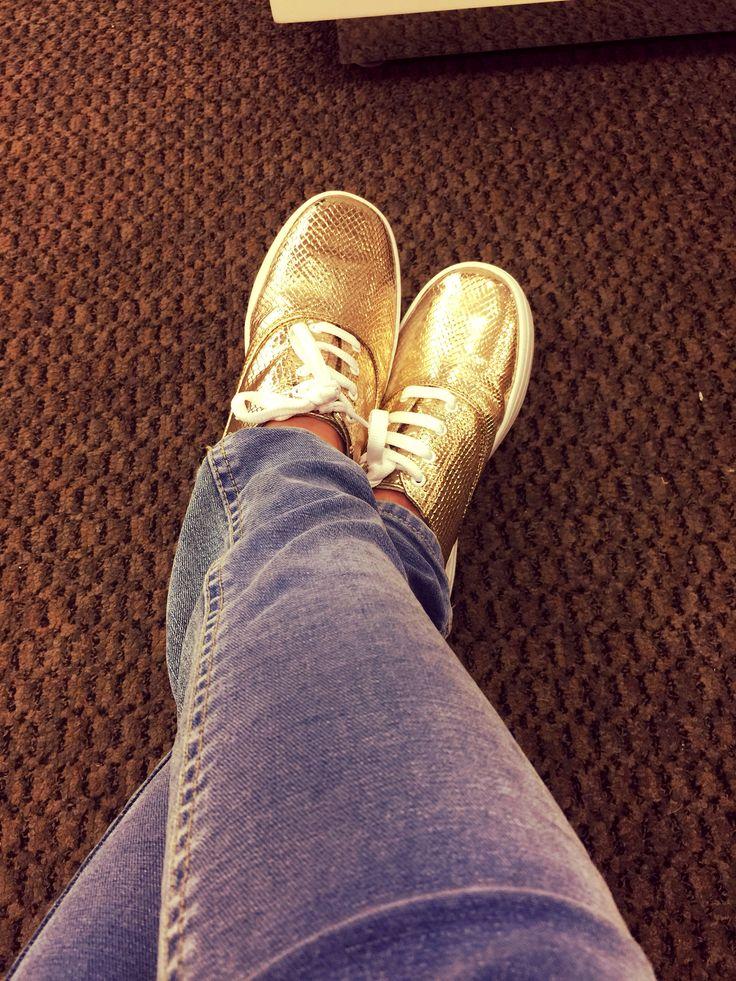 Love  #shoes #tendencia #golden