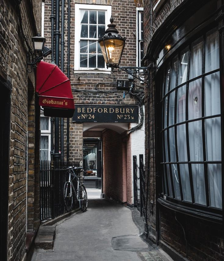 One of my favourite hidden passages in London ️ Covent