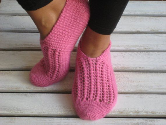 Free Knitting Patterns Bed Socks Slippers : 17 Best images about Slippers to knit on Pinterest Free pattern, Bed socks ...