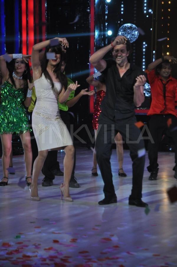 Priyanka Chopra & Hrithik promote Krrish 3 on Jhalak | PINKVILLA