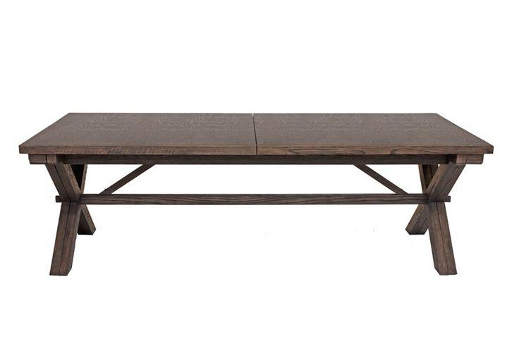 Vail Spisebord - Flot spisebord i røgfarvet eg. Dette langbord kan udvides med op til 5,2 meter ved tilkøb af tillægsplader. Bordet har en rustik og landlig stil, som er flot i det store spisekøkken eller spisestuen.