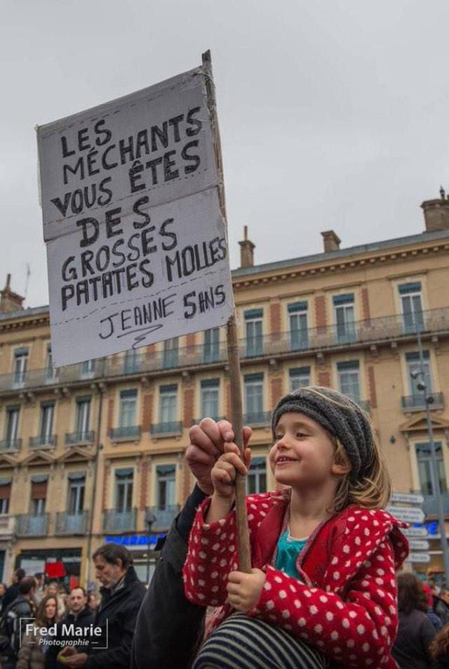 """Maxime Riou ✏️ sur Twitter : """"Magnifique photo ! #MarcheRépublicaine #JeSuisCharlie http://t.co/V6rQPW8Nzl"""" #JeSuisCharlie"""