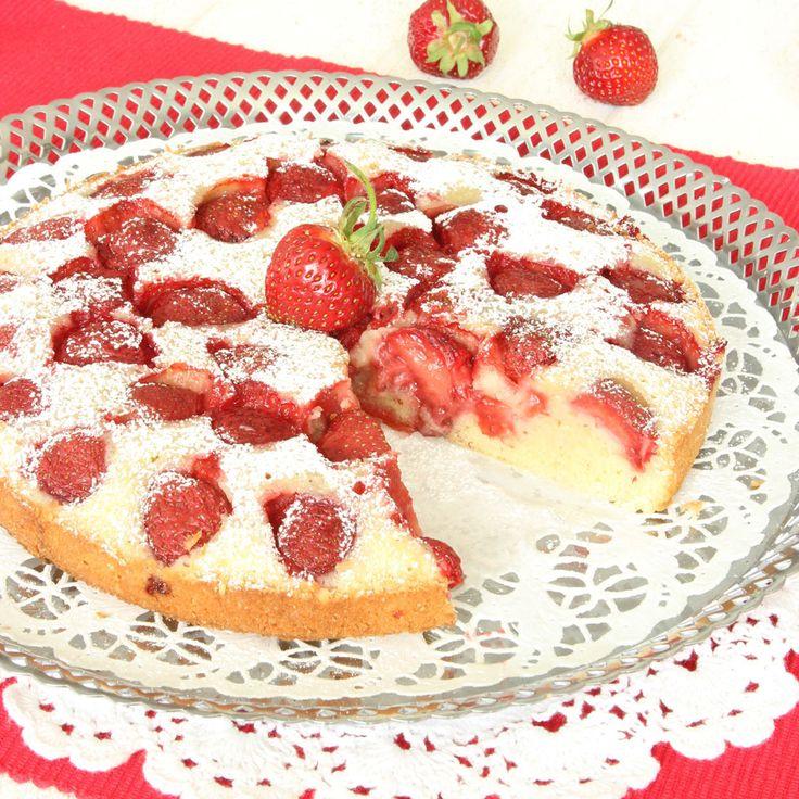 Bästa, godaste jordgubbskladdkakan – och den är så lätt att göra!