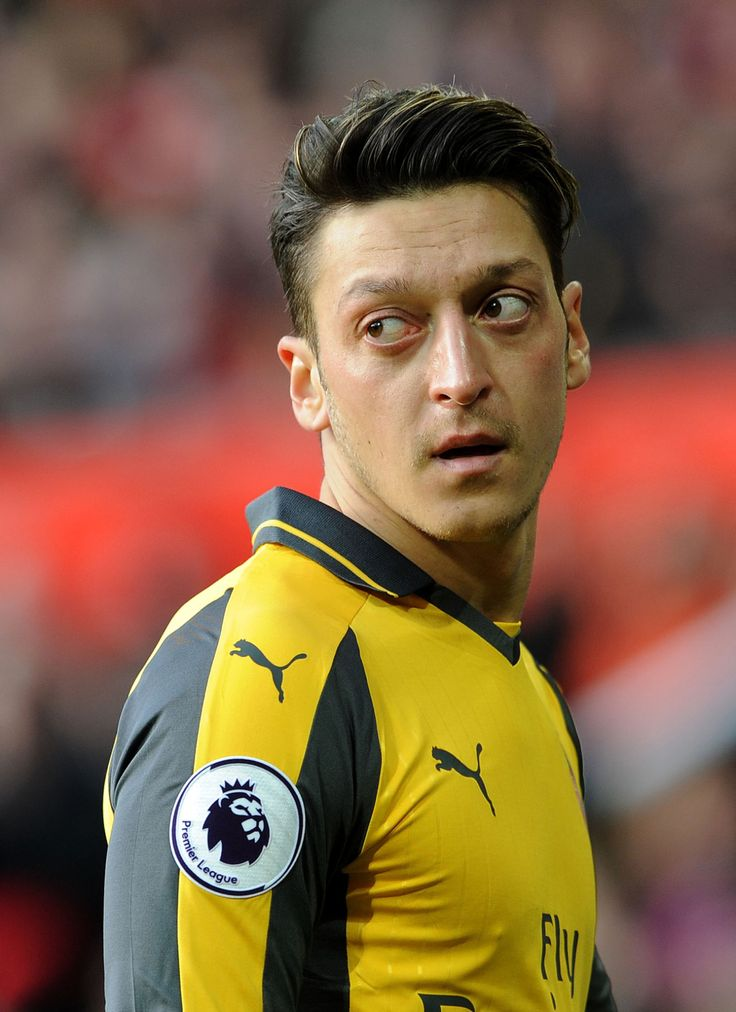 Mesut Ozil Arsenal Hairstyle 2018 Images Pictures Ozil Haircut