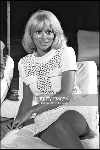 Photo d'actualité : Mireille Darc File Photo.