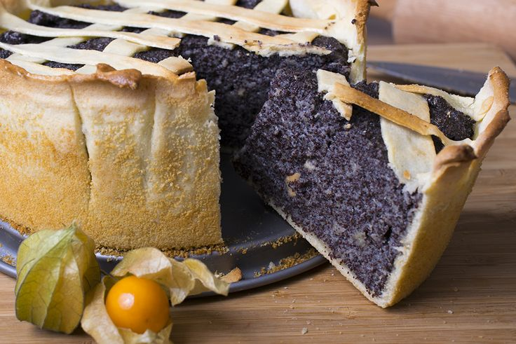 Alle Mohnliebhaber aufgepasst - heute zeigen wir euch unsere Variante des veganen Mohnkuchens. Kein Ei, keine Milch oder sonstige tierischen Produkte!