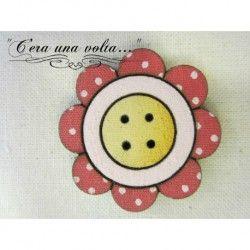Bottoni in legno fiore http://www.merceriaceraunavolta.it/24-creative-crafs#/