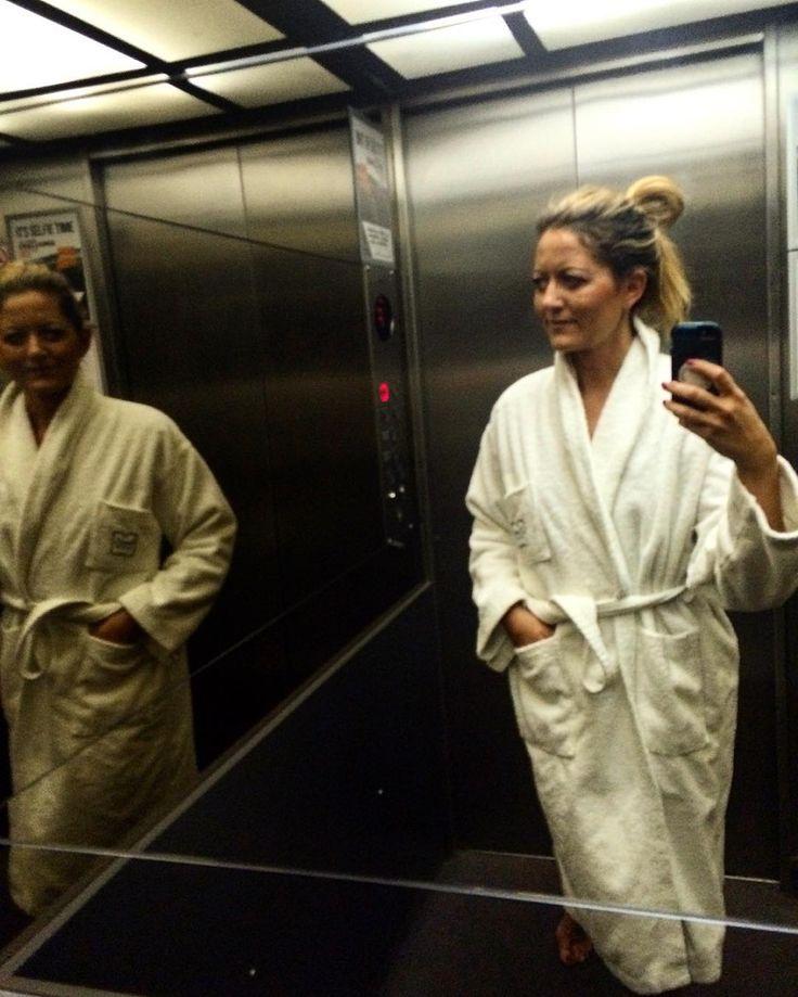 virginiedeklippelAfter full day visiting this beautiful #city #budapest great to #relax in #sauna of #amazing #hotel @zenitbudapest #zenit  #chill #relax #zen #elevatorselfie #travelgram #travel @insta_budapest @thisisbudapest @welovebudapest @budapest_hungary