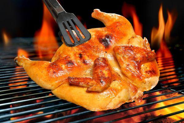 ***¿Cómo Preparar un Pollo Asado?*** El pollo asado es una de las formas más sabrosas de disfrutar de esta carne....SIGUE LEYENDO EN.... http://comohacerpara.com/preparar-un-pollo-asado_1939c.html