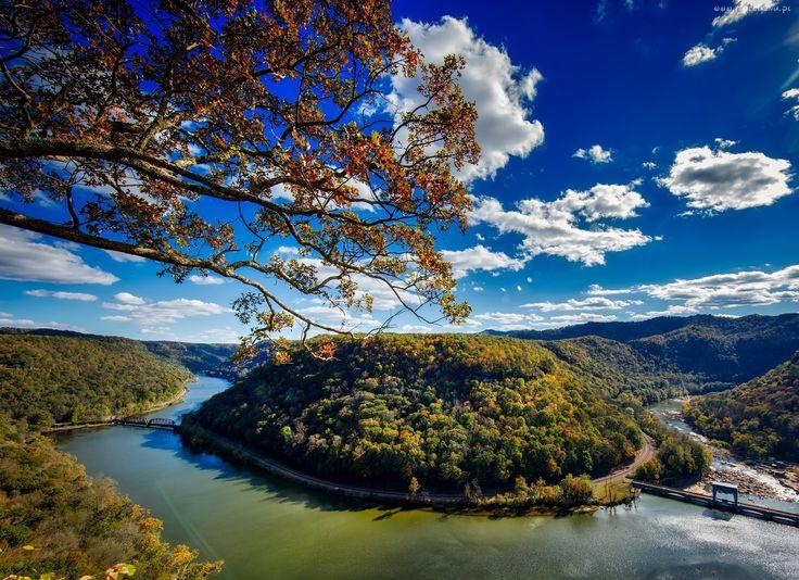 Rzeka, Drzewa, Most, Chmury, Niebo